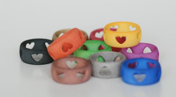 Heart Rings painted by Peter Paul (Shapeways)